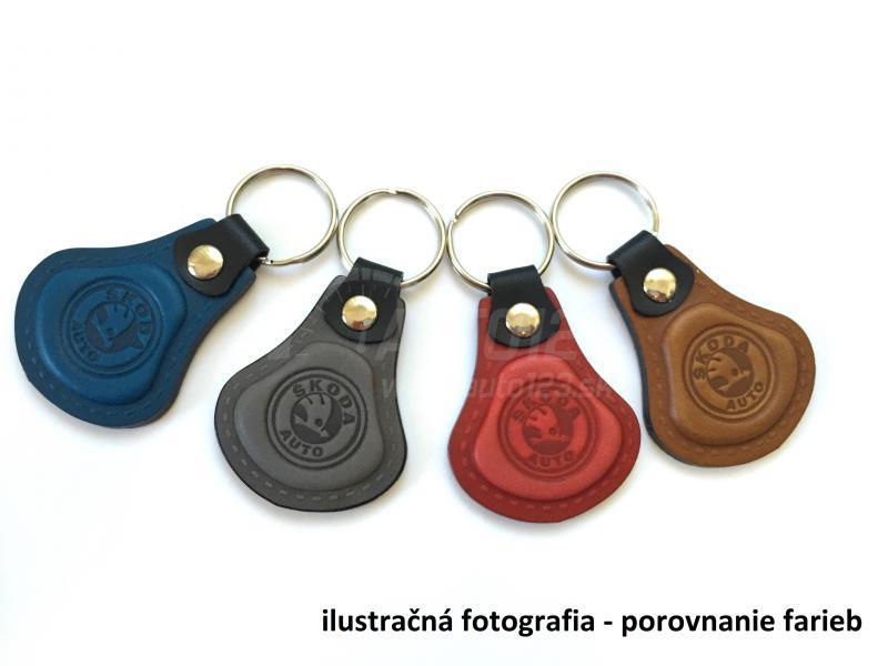 Kožená kľúčenka Škoda modrá. Elegantná kľúčenka s logom ... bc1fb101dd9