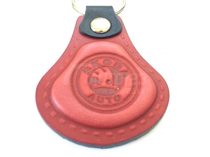 Kožená kľúčenka Škoda červená  04fd9db1f0b