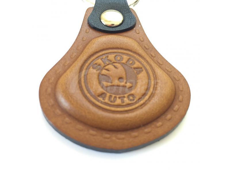 Kožená kľúčenka Škoda hnedá  8042ee732d0